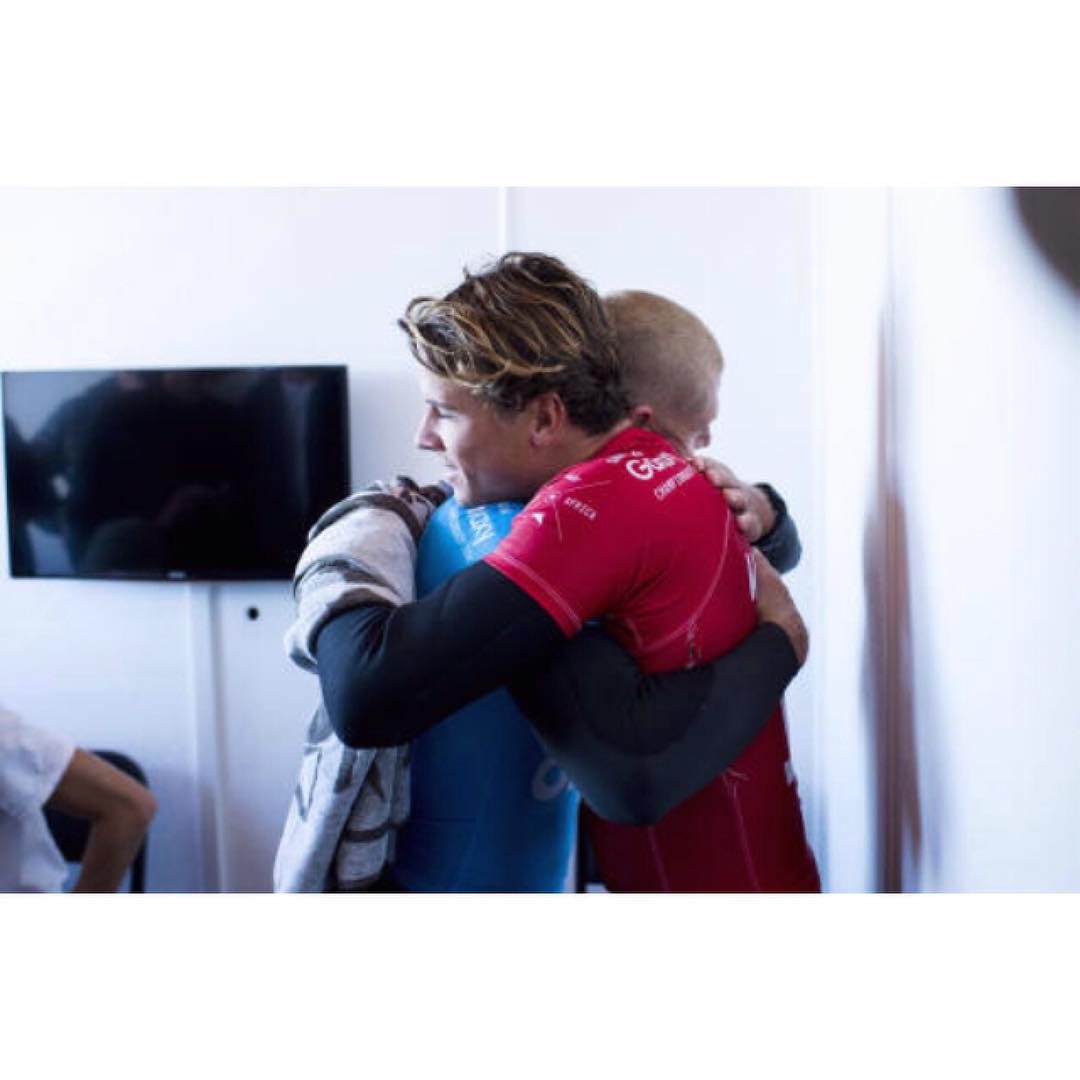 @julian_wilson and @mfanno hugging after the shark attack earlier today. we are so relieved that they are both safe and sound. photo from @wsl. #brotherhood #brave #friendship #bond #surfers #champions #jbayopen #shark #wsl #julianwilson #mickfanning...