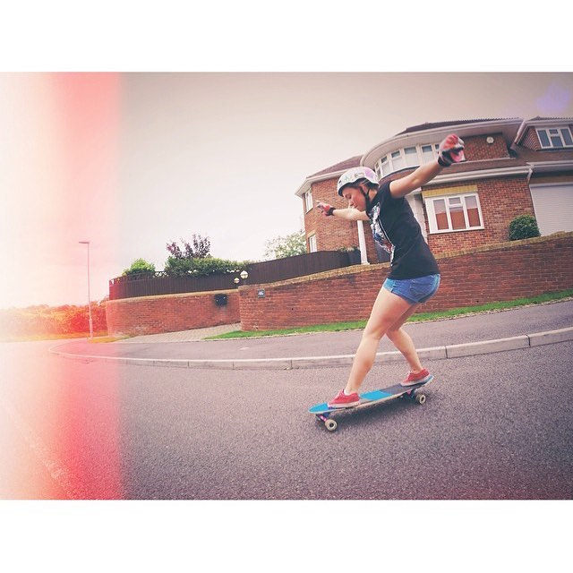 Morning family! Check out @molly_crompton from @longboard_girls_crew_uk. Let's have a rad week!