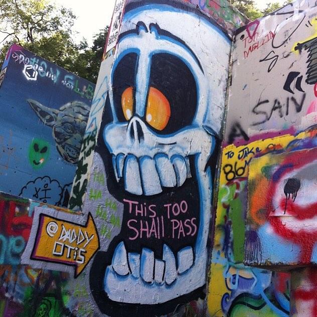 @daddyotis • • #atx #austintx #texas #tx #spratx #daddyotis #streeart #graffiti #graphite