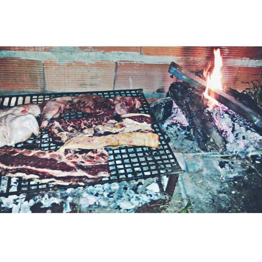 Por ser viernes y para empezar las vacas como se debe, #asadito tranquii con amigos !
