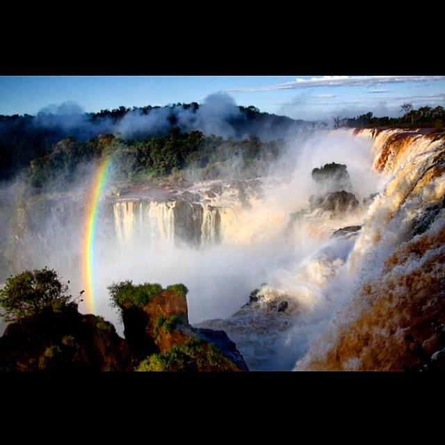 Iguazu Falls: Niagara's steamy gay friend