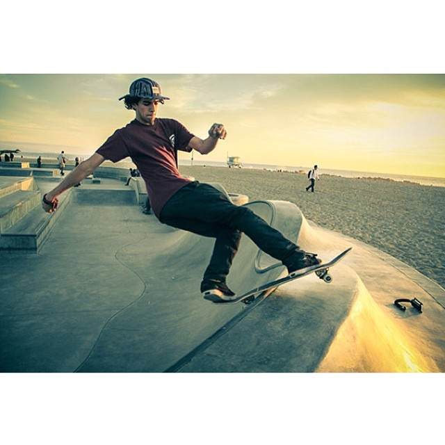 FS Rock by @instarroyo in the Richmond 5-panel #venicebeach #skateboarding