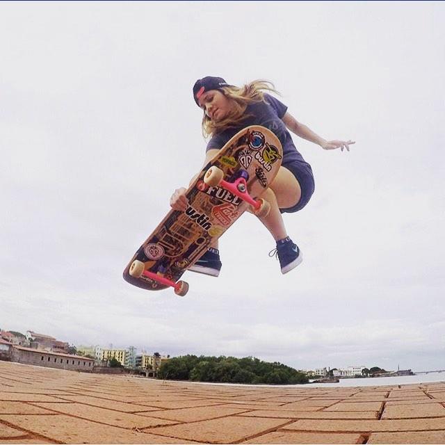 @longboardgirlscrewpma ambassador @gracevargas25!  #longboardgirlscrew #womensupportingwomen #skatelikeagirl #girlswhoshred #gracevargas #panama #lgcpanama