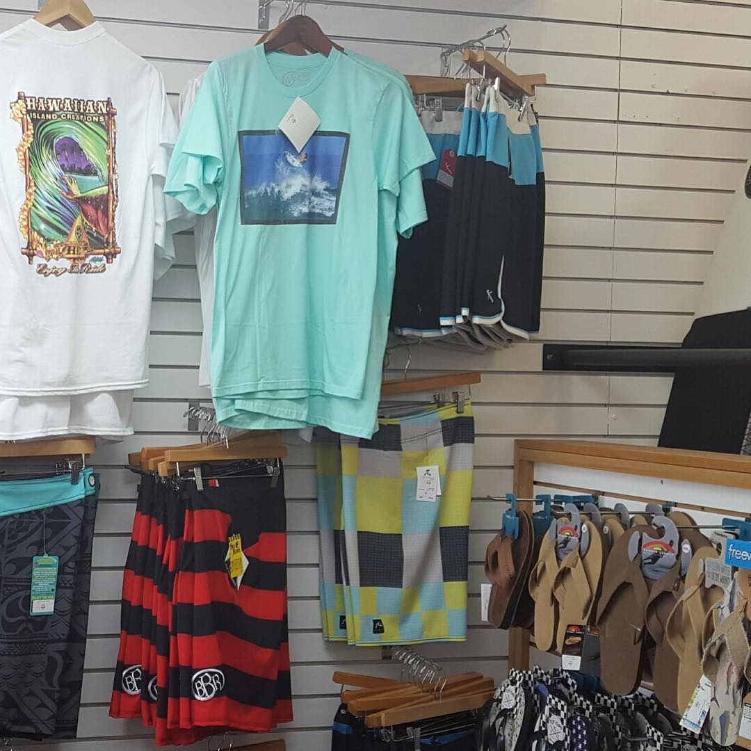 We are so stoked to be a part of @doghousesurfshop at Fort Walton Beach, FL.  They carry both our Mens and Womens line.  Check them out!  Get your Granger Signature Series boardshorts and GO BIG! Tee  #bbr #bbrsurfwear #bbrsurf #buccaneerboardriders...