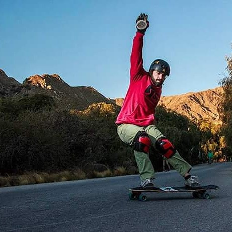 Tomi Todros Rider de montaña es su #slyskateboards #machbusterKT. Groso Tomi! PH @maximotatorres