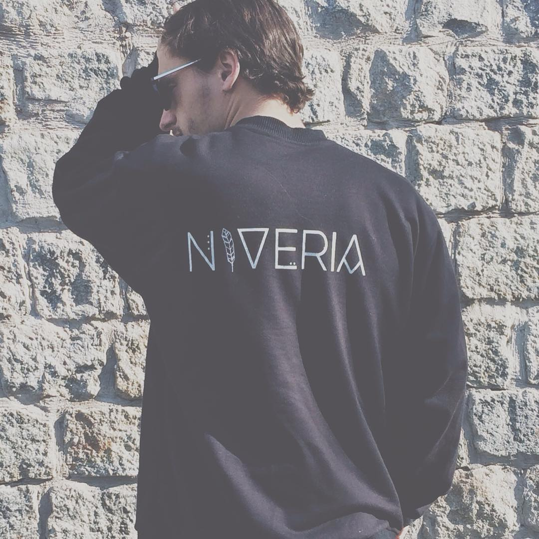 Sweatshirt-institutional⚡️NVR⚡️ #VSCOcam #sweatshirt #buzo #negro #black #institutional #for #everyone @niveriabsas