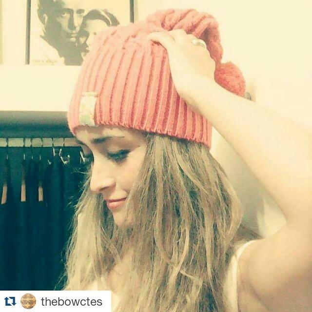 #Repost @thebowctes ・・・ Lindo #frío. Linda la #modelo.  Lindo para un #gorrito de @paraelbocho