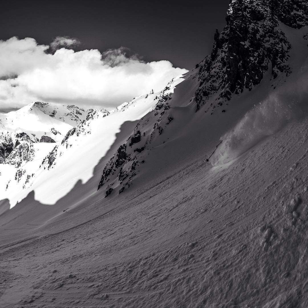 Flylow's @willcardamone slicing through the shadows of winter.  #earnyourturns