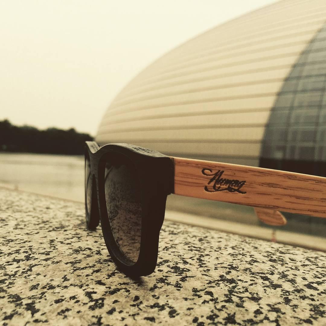 Nuestro Angus Original en nogal oscuro dos tonos. Gracias por la foto Pepa! #Numag #BorninArgentina #WherenatureROCKS #gafasdemadera #gafasdesol #woodensunglasses #Woodeneyewear
