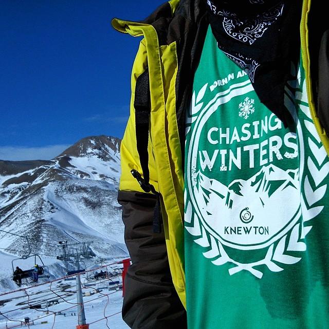 Ao vivo! Un poco de Chasing Winters! .:Conexión Natural:. #TRIP #FRIENDS #LASLEÑAS #ARGENTINA #SNOWTRIP #TRANKASTYLE #CONEXIONNATURAL #KNEWTON