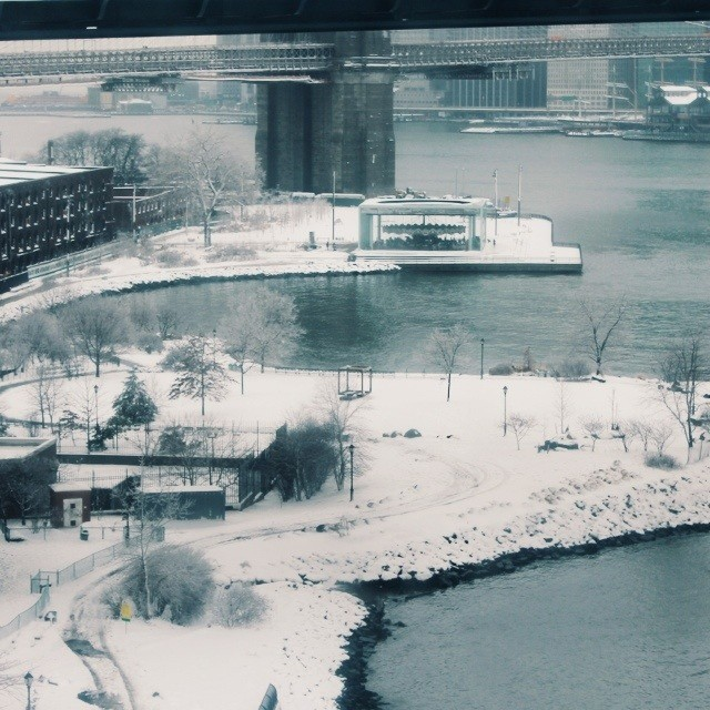 Brooklyn Bridge park all covered in snow #winterwonderland #DUMBO #slushysidewalks