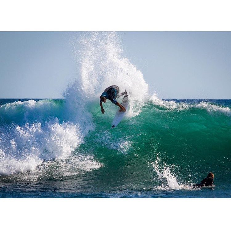 Chris Ward slamming the Lowers left. Tomorrow he'll be @sundiegoboardshops #AMSLAM event at San Fernando Place in Mission Beach slamming more lips. Stop by the ...Lost tent for prizes and Wardo's words of wisdom.