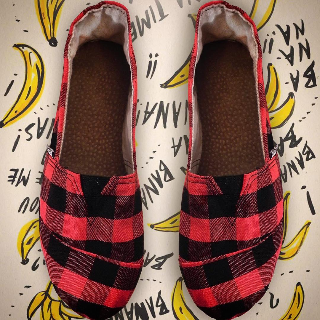 Aprovecha y escápate algún lado, pero no te olvides de llevar tus Black Monkey!! Encontra este modelo en @delasbolivianas (Recoleta) #alpargatas #blackmonkey #calzado #happyfeet #cancheras #design #fashion #style #winter #monkeybrand #followup #shoes...