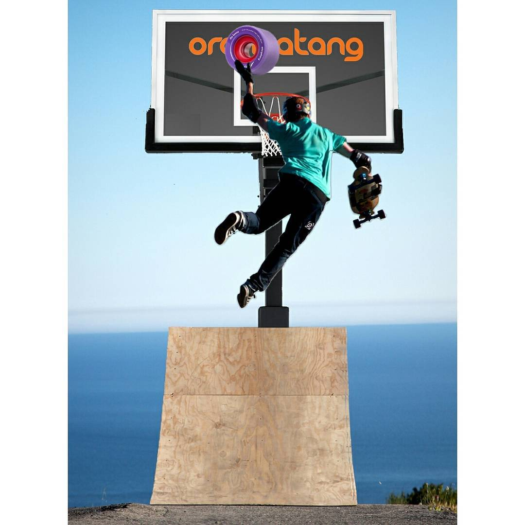 Reach for the skies kids... and then dunk that $#@&!!! Just like #OrangatangAmbassador @brianbishop_  Photo: @ari_shark  #Orangatang #Purple #keanus #HurlChuck