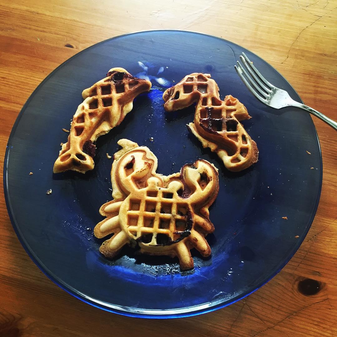 Mmmmmmm seafood waffles // thanks @yerdle  #breakfast #caughtfresh #seafood #waffles  #sanfrancisco #thetinymess