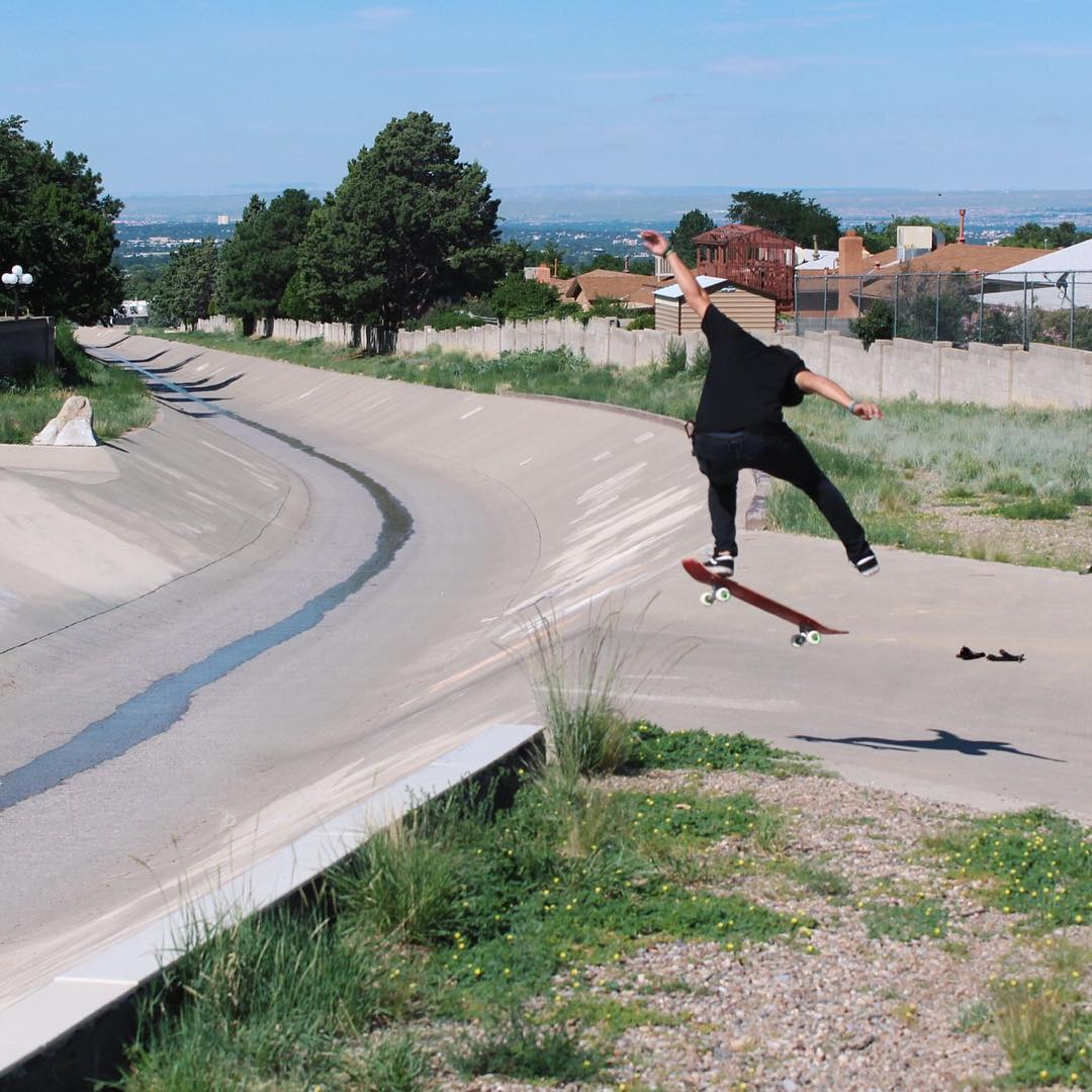 Flow rider @deadbear13 boosts an ollie one-foot out of a beautiful little ditch while filming some fresh goodies.