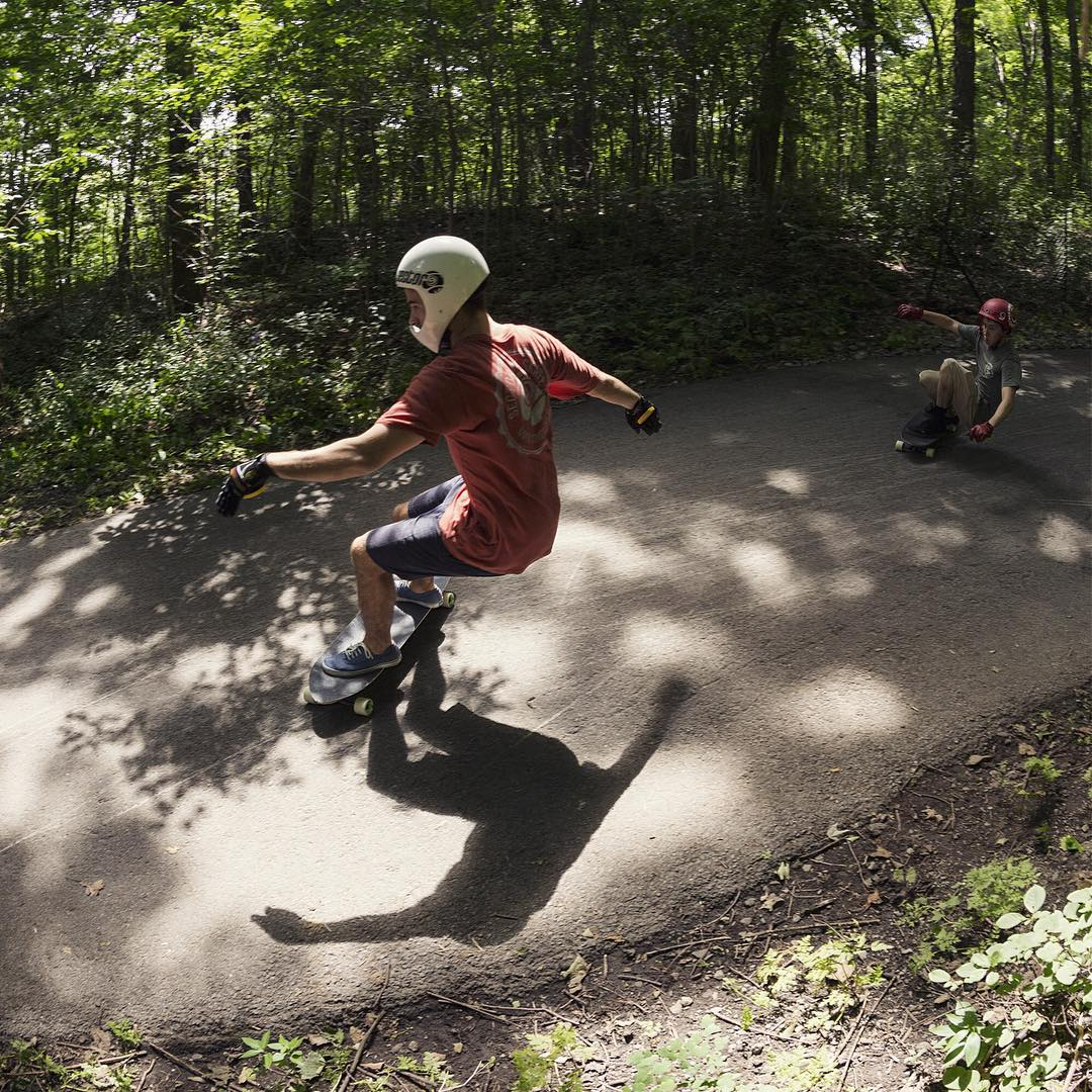 @mattkienzle tells us the #ridewithmattk event he threw today with the help of @boutiquerollin was a total success. It was a great day of stokin' out the kids, with lots of fun runs like this one with lil homie @raphael_therrien.