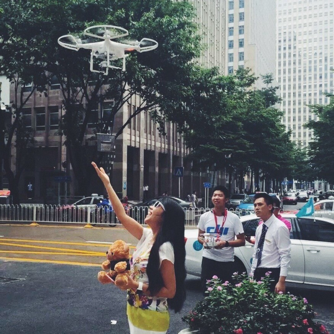 The future of delivery.  #DJI helped @uber in #Shenzhen deliver ice cream as part of the #ubericecream day.  With the help of the #Phantom3, skilled pilots helped bring joy to those who called for the Uber ice cream. *All deliveries were done with a...