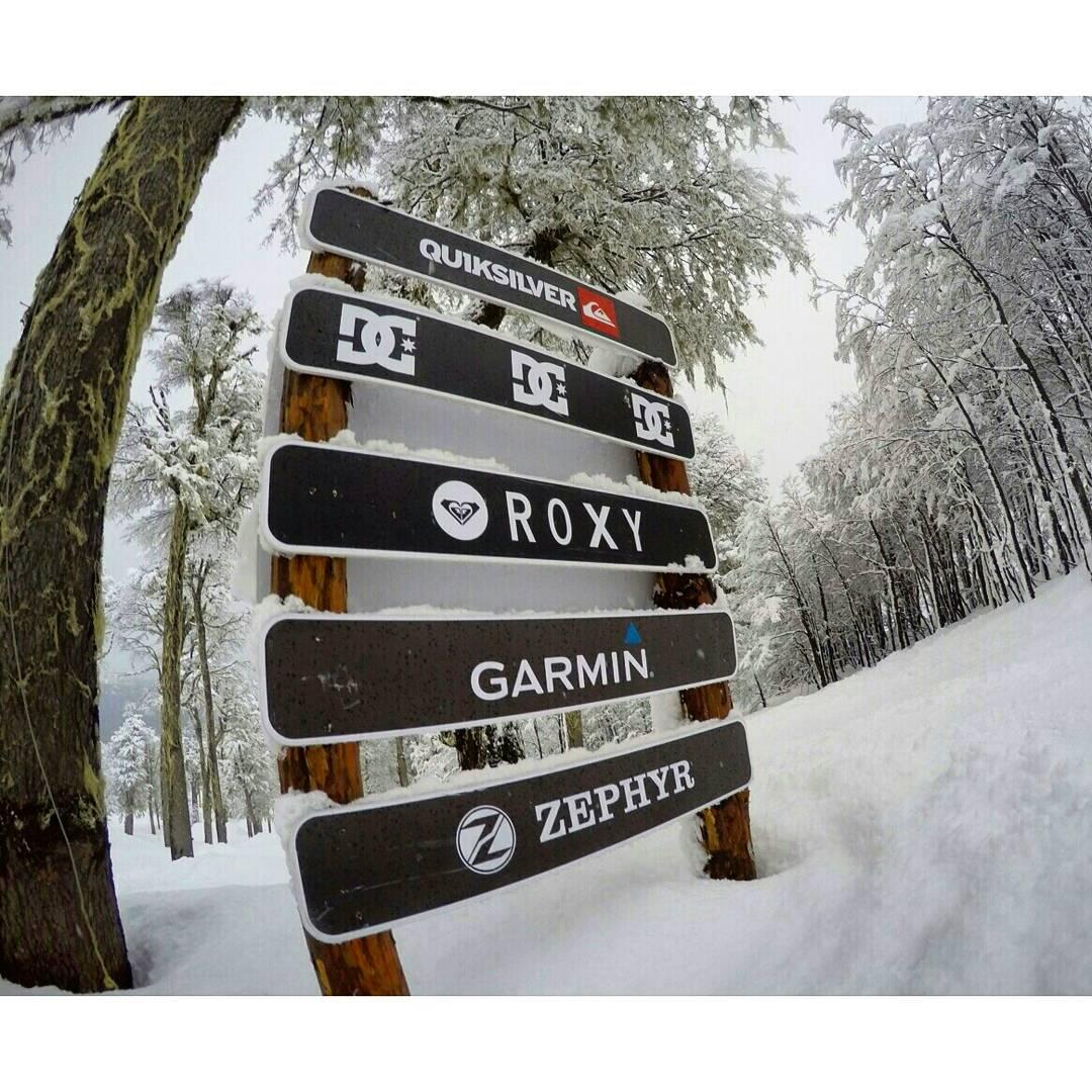 @zephyr_gear Sponsor del SnowPark de @cerro_chapelco !! Tremenda la nieve en el cerro!! - Tienda Online