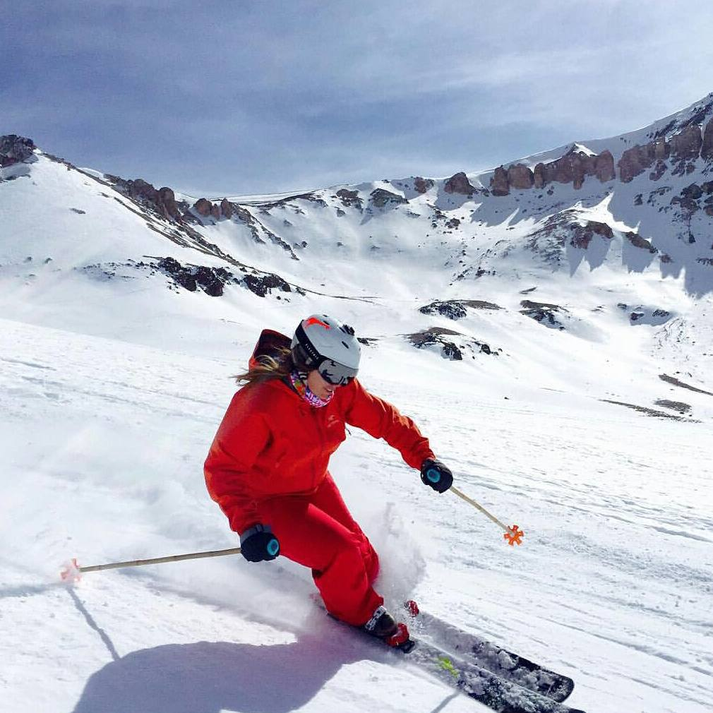 #girafficorn spotting in @valle_nevado Chile. #SheJumps Executive Director @freelance_girafficorn livin' the SJ life over the weekend. #girafficornnation #IamSJ