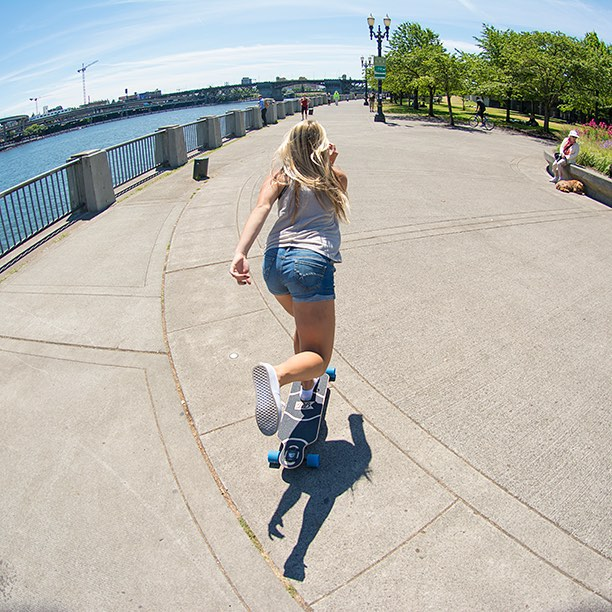 Alex cruising through Portland on the Urban Native. #dblongboards #longboarding #portland #urbannative #pdx