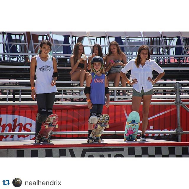 #Repost @nealhendrix with @repostapp. #ridetrue ・・・ For the FIRST time Vans is going to broadcast one of their women's bowl contests and I am so stoked to be on the broadcast team with @akadune The women's Van Doren Invitational is going to be live...