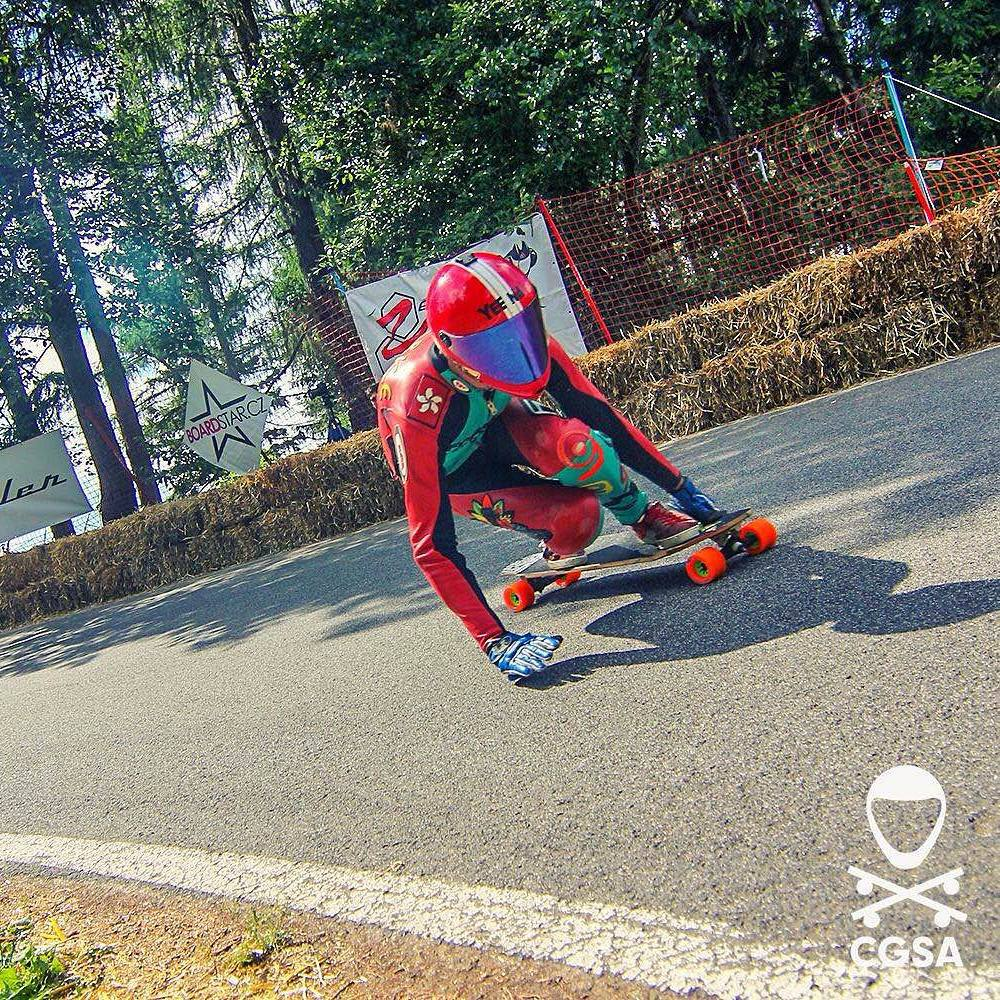 Hard to miss this fluorescent red and green bullet at this years #kozakovchallenge  @hazclarke charging full steam.  Photo: @cgsa_downhill  #Orangatang #Kegels #Orange