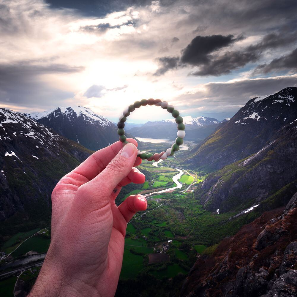 Time is running out! Only six hours left to puchase a wild lokai in support of @World_wildlife! $1 of each purchase will go towards World Wildlife Fund in their efforts to preserve our planet #livelokai  Thanks @sean_ensch_images