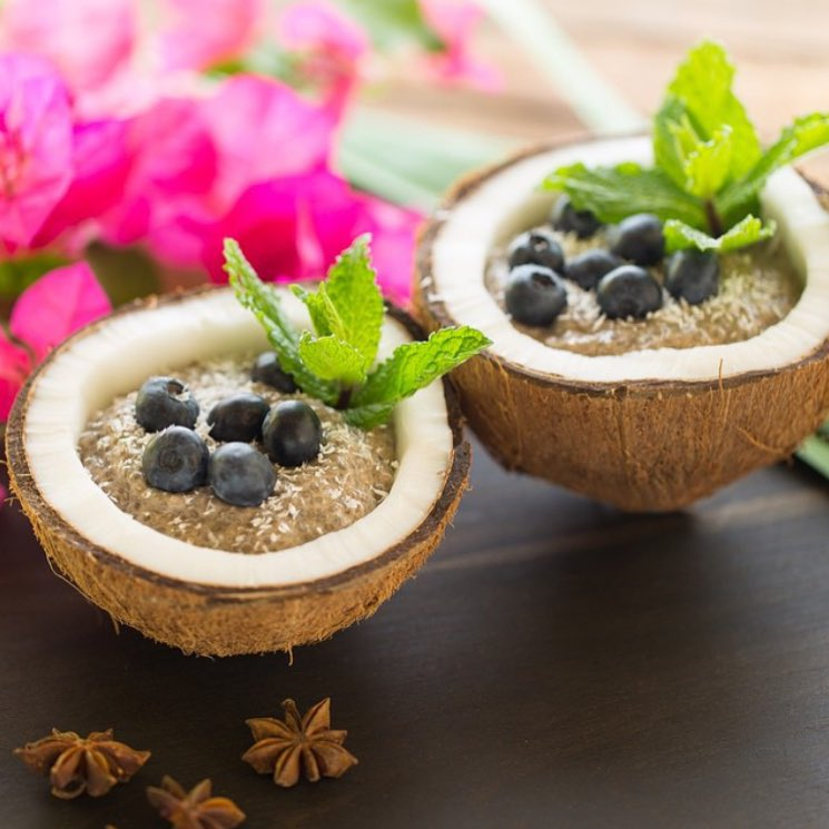 This Coconut Chai Chia Pudding is not only quick and easy to make, but it a whole lot healthier than that blueberry muffin you usually grab on your way out the door! Get the recipe for this weeks Cancer Fighting Foods post and learn about why...