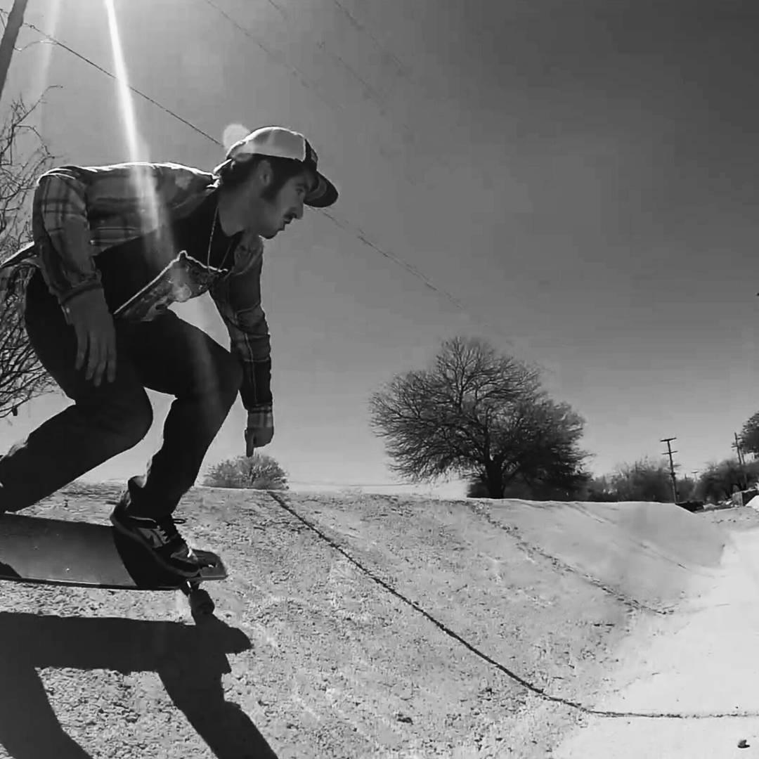 Salí a andarxandar! Conseguí el longboard que mas te gusta en www.wikasport.com!  #longboarding #longboard #teamwika #argentina #instagood #instalike #smile #cool #nice #amazing #happy #photo #life #friends #longboardday #longboardcrew #longboardwheels...