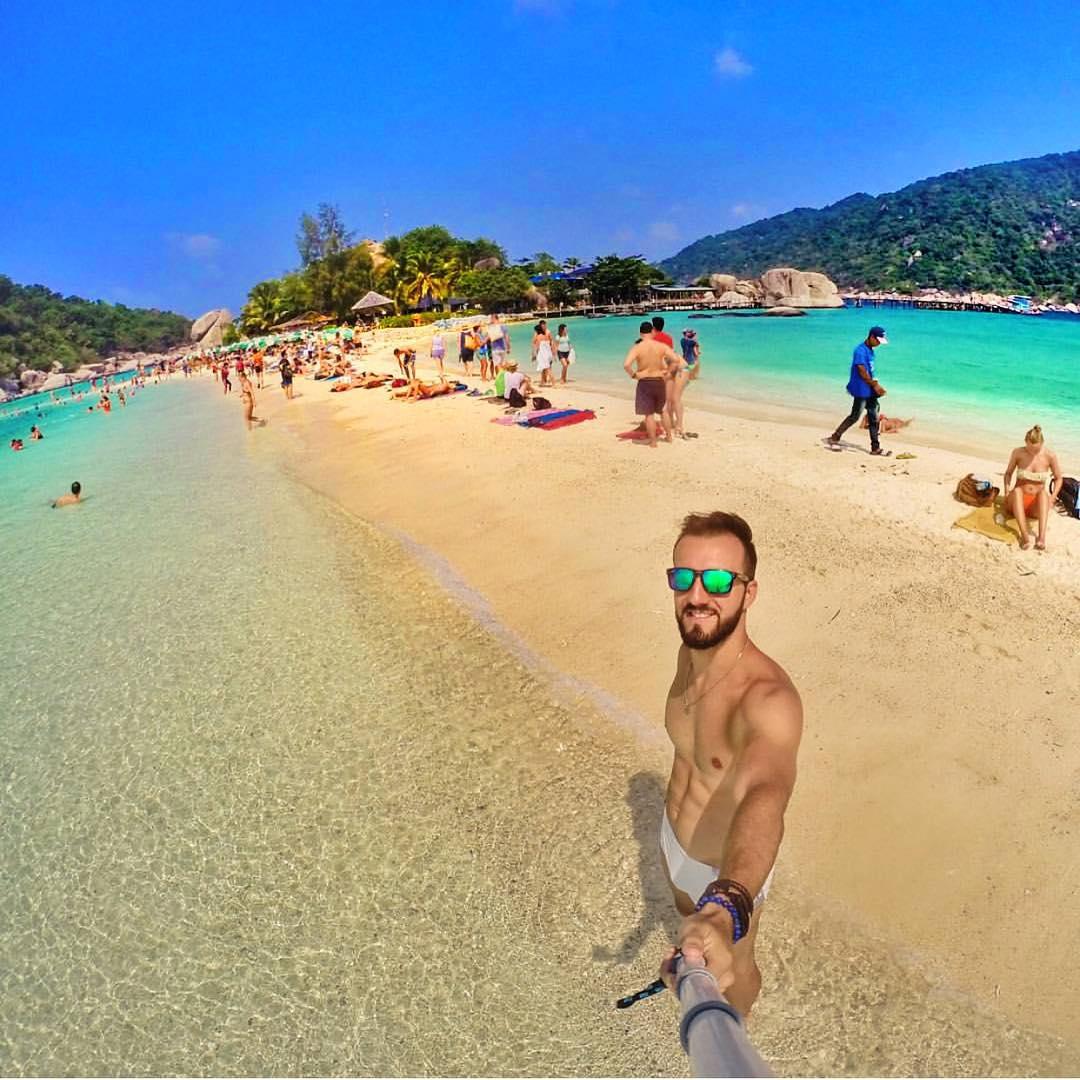 Sandbar selfies Frames: Bali Kameleonz.com