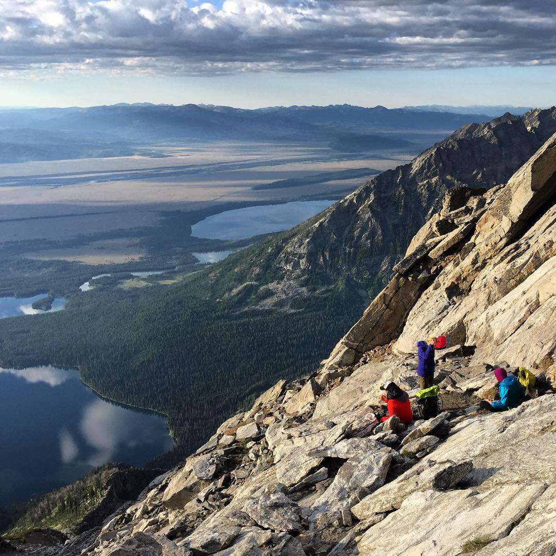 Nice place to hang out! Part way up Mt Moran right before the more tech section of the #cmcroute begins. We hung out here for quite a while while @kyehalpin and @fifty.shades.of.purple pushed for the summit during their epic #Moranic Picnic adventure...