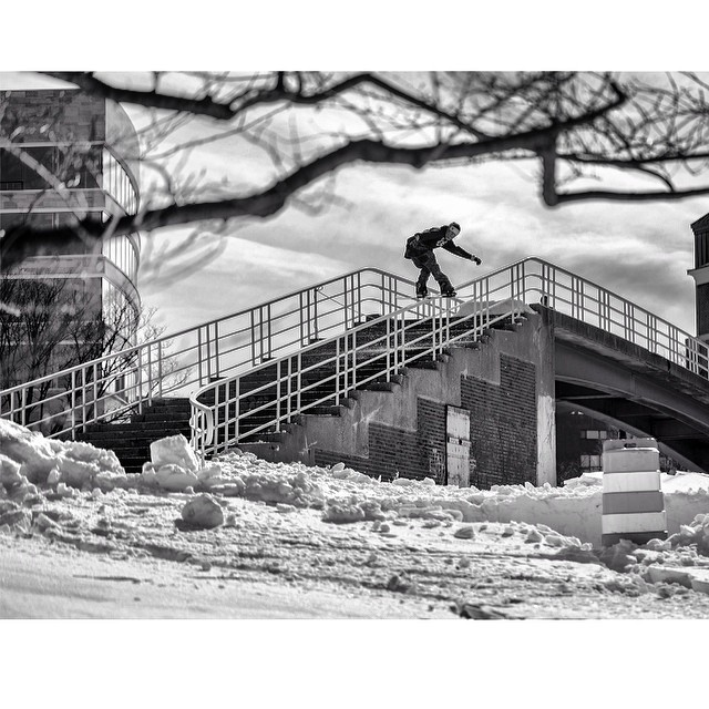 Remember winter? @slaters_gunna_slate photo of @c_manhard throwin down this front board from issue 35. #steezmagazine #frontboard #snowboarding #steez #issue35 #urbansnowboarding #handrail