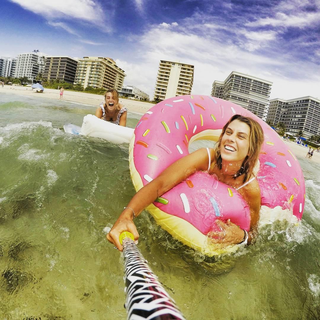 @jochadeluca y @miladeluca con su #ZephyrPole en #MiamiBeach !!
