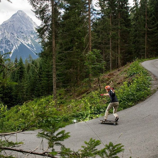 Breathtaking views, the Austrian countryside is a special place. @henningpat takes it in on some 82a #Berserkers. #divinewheelco #divinewheels
