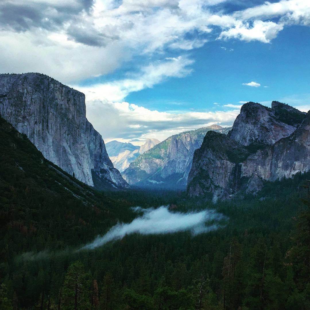 Views of this valley do not get old #Yosemite #aboutlastnight #mytinyatlas #california #explore #adventure