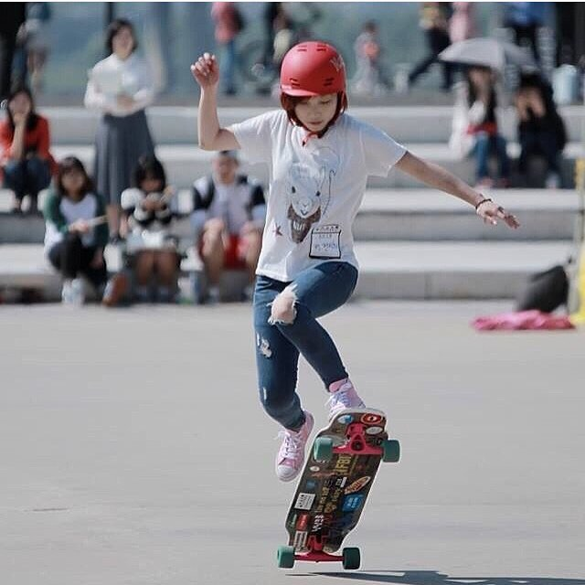 LGC Korea rider @shariny! Go to Facebook and check out the new LGC Korea page. We love this community!  #freshbox photo.  #longboardgirlscrew #womensupportingwomen #skatelikeagirl #girlswhoshred #lgckorea #korea