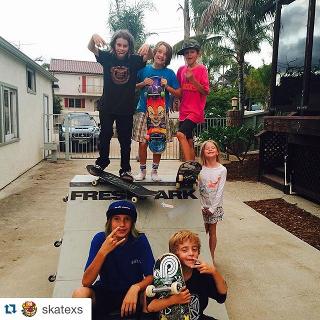 #Repost @skatexs  Post skate bbq with some current and past SkateXS team and fam!!! What an awesome bunch #freshpark #skate #ramps #skatexs