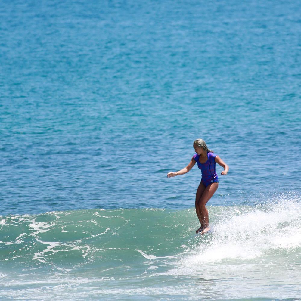 @keliamoniz making a trip to the tip look oh so easy #ROXYsurf