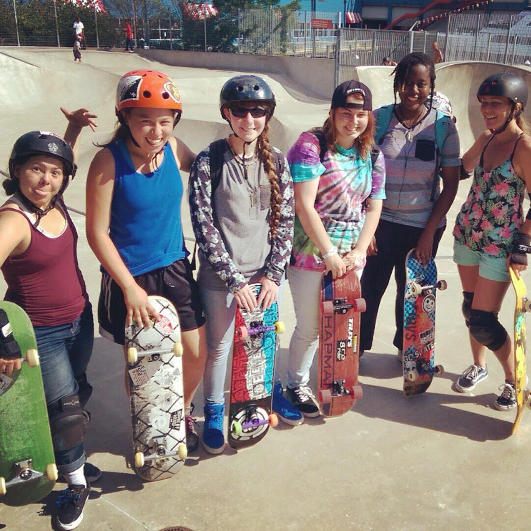 Awesome meet-up session yesterday at Chelsea Piers in NYC!!! #ridetrue #girlskater #skateboarding #nyc #chelsea #radladies #girlsridersorg