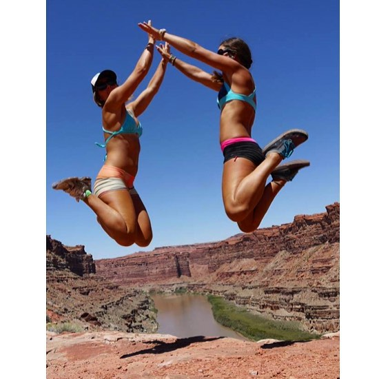Catching Serious Air Time with my girl @sehsa at the top of the loop hike in Canyonlands NP. #cataractcanyon #rivertrip