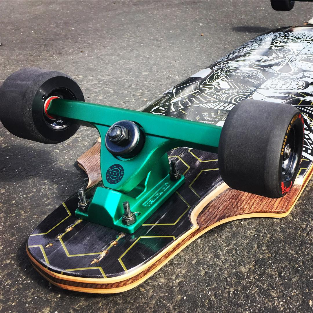 Go fast, get sideways, kill hills. The new Midnight Satin Green's on the @bustinboards EQ Hollow-Core with Limited Black Thane Morgan's. #sexy #caliberII #MidnightSatin