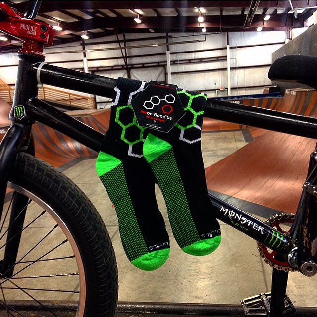 #grabapair and #ride #bmx #bike #freestyle #peddletothemetal photocred @aa_ronBMX8 @ohiodreams #halfpipe