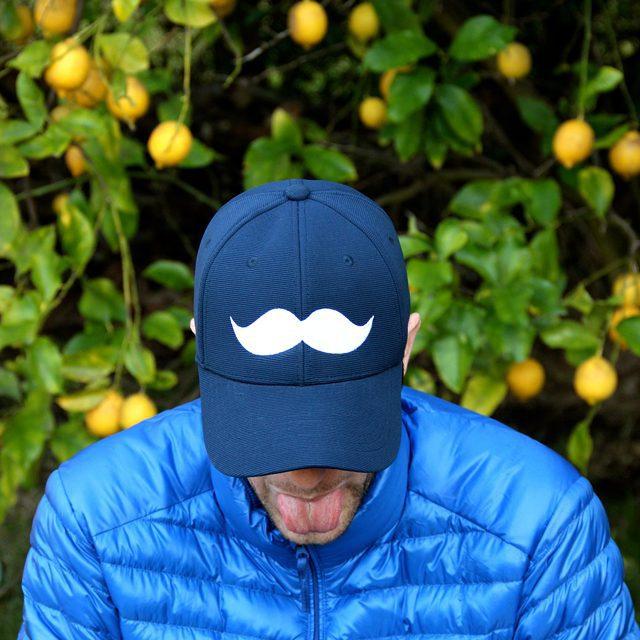 gorra #bigote @paraelbocho  Son de esas que vienen con elastico y no tienen ese ajustador