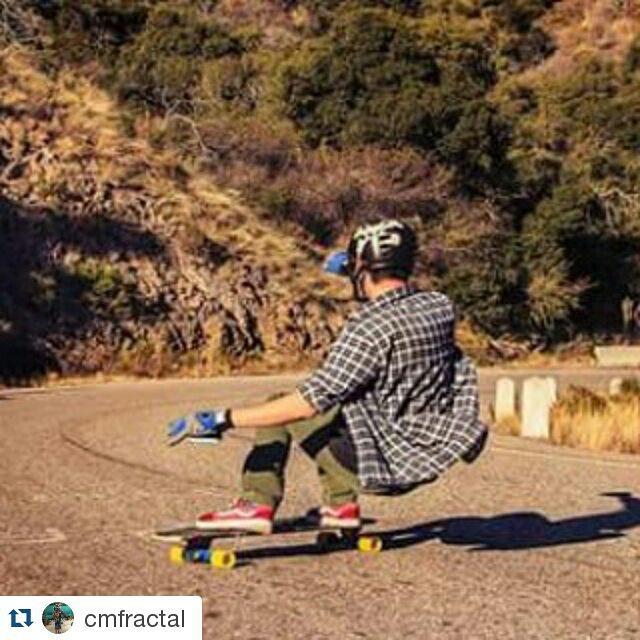 Seguimos la semana! Andarxandar siempre lo primero!! Conseguí nuestros productos en www.wikasport.com #teamwika #argentina #instagood #instalike #smile #cool #nice #amazing #happy #photo #life #friends #longboardday #longboardcrew #longboardwheels...