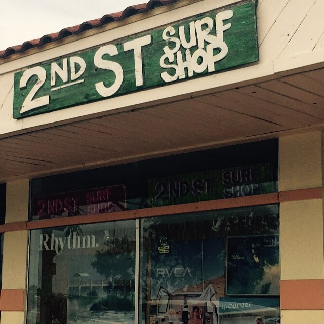 @2ndstsurfshop in Pompano Beach where you can find the best smelling surf wax candles from @ululagoon ! #uluLAGOON #2ndstreet #surfshops #pompanobeach #florida #hotinthesummer