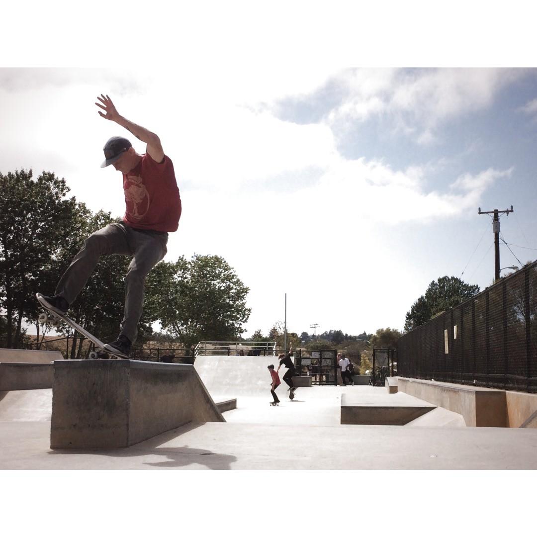 @b_lo_brando hitting his local park in Santa Cruz. #skateboarding #caliberstandard PC: @gnarlitosway