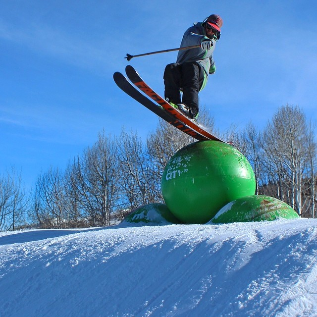 Doink! Spencer Harkins squirrel taps some balls in Park City. Jan Kelly nabs the moment... @spencerharkins @pcski #pandapoles #magicskiwands #pandatribe