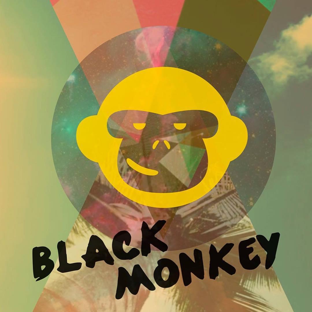 Un día muy lindo..... Para quedarte con tus Black Monkey patas para arriba!! #blackmonkeystore #alpargatas #diseño #colores #estilo #onda #thursday #argentina #summercomeback #happyfeet #live #travel #enjoy