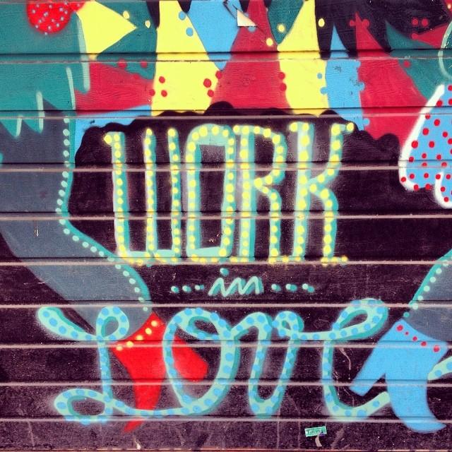 La semana empieza más linda si la hacemos así #streetart #paezinspire #dreamjumpers #paez #paezshoes #love